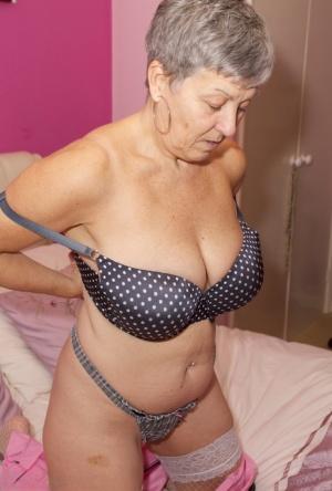 Free Granny Pussy Porn