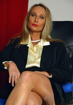 Free Pussy Secretary Porn