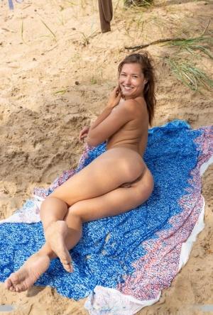 Free Pussy Beach Porn