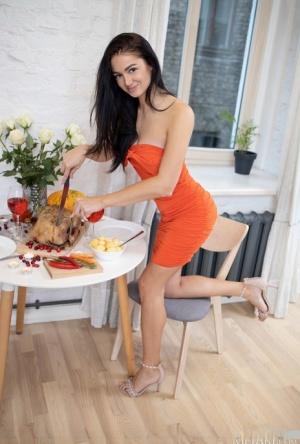 Free Pussy Kitchen Porn