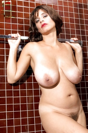 Free Pussy Saggy Tits Porn
